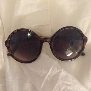 ☀️ Deal ☀️ Amazing Round Tortoise Shell Sunglasses
