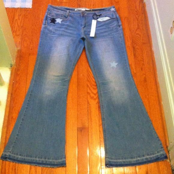 068136cb26e Dollhouse Star Print Raw Hem Flare Jeans Sz 15