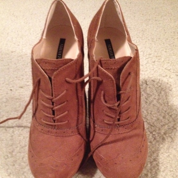Red oxford heels Good condition. Forever 21 Shoes Heels | My