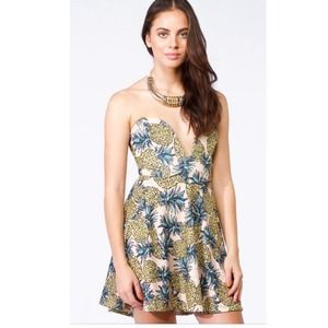 NWT LF Pineapple Cutlet Dress