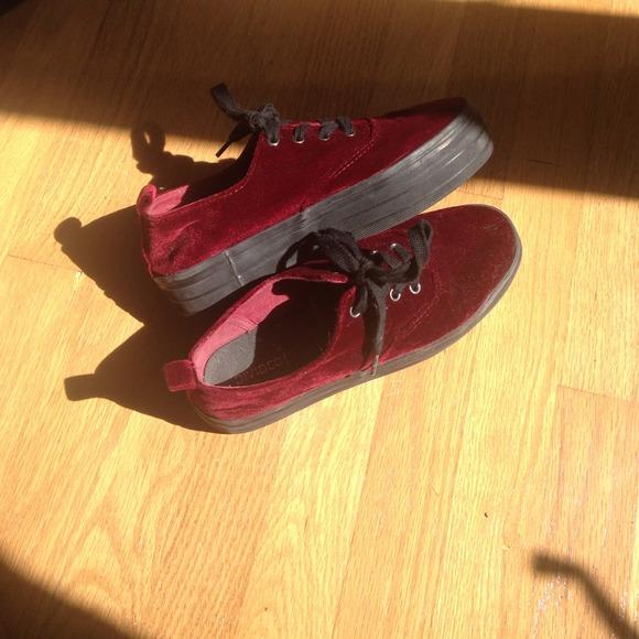 h&m red velvet platform shoes