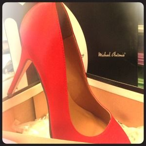 Michael Antonio red heels