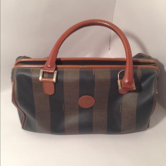 b539d56d663c FENDI Handbags - FINAL MARKDOWN Authentic Vintage Fendi doctor bag