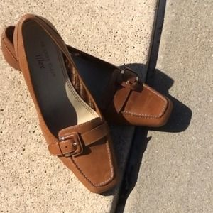 Ann Taylor Flex loafer style pumps 6