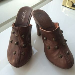 Shoes - Leather Studded clogs 8 good for winter!