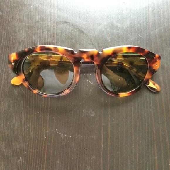 6b2424ca12 GANT Accessories - GANT unisex tortoiseshell sunglasses