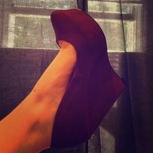 Maroon suede platform wedge - shoedazzle
