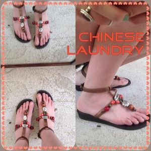 ✨SALE✨Chinese Laundry Flat Sandals