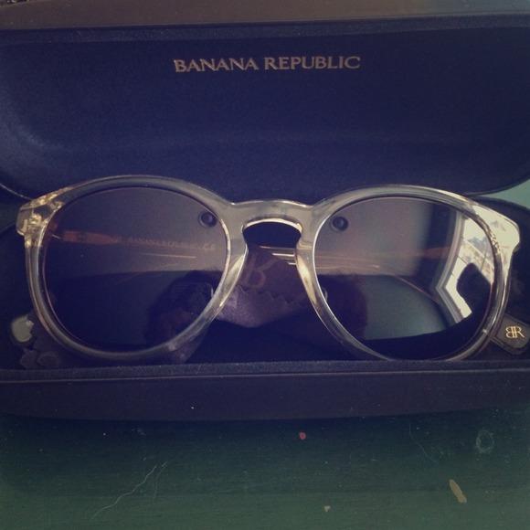 486a87e9d8c Banana Republic Accessories - Banana Republic Johnny Sunglasses - Clear