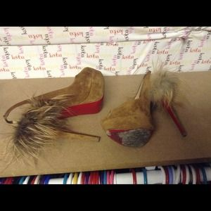 Christian Louboutin sz39 suede and fur platform