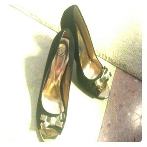 Shoes - Black and Gold Pumps