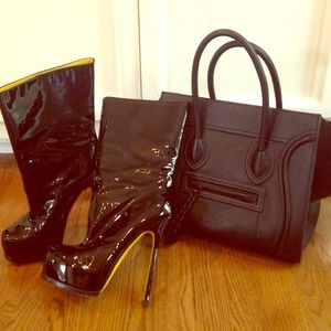 ⚠️YSL black Patent Leather Booties ⚠️