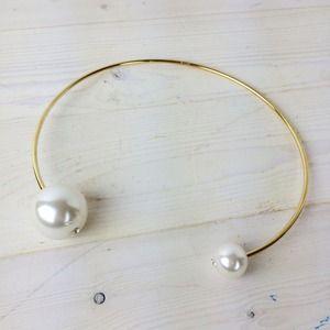 Jewelry - Faux Pearl Choker
