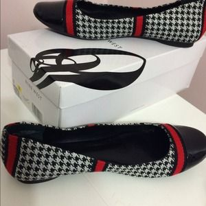 Nine West Shoes - Never Worn! Nine West LadyBellao Houndstooth Flats