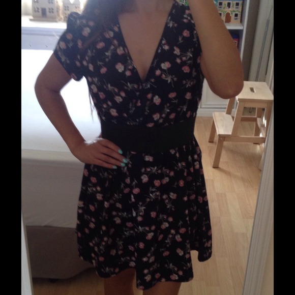 8539522e Reformed Dresses | Traded On Vinted Navy Floral Dress | Poshmark