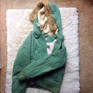 Olive bomber jacket w/ faux fur