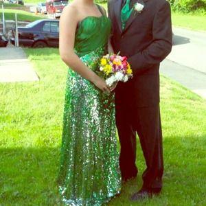 Emerald green prom dress