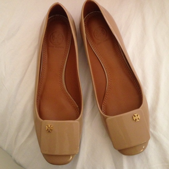 Price drop‼️Tory Burch Yardley Nude Patent Leather