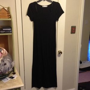 Black maxi dress perfect for summer pink