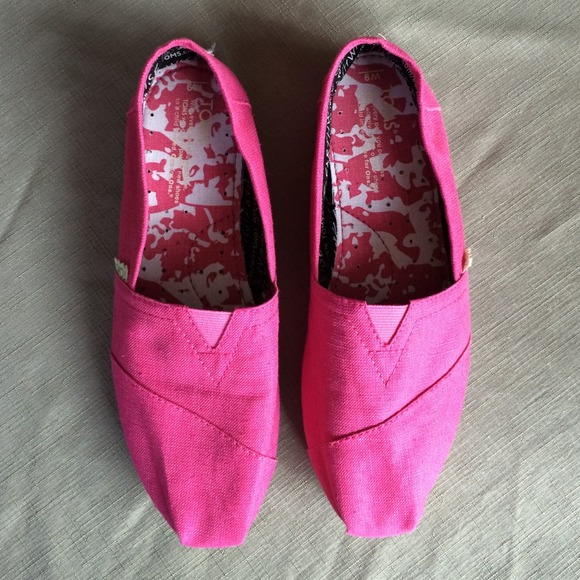 pink toms shoes