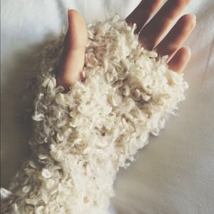 Accessories - Fuzzy Hand Warmers/Gloves