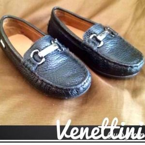 Venettini Other - Toddler girls leather moccasin shoes.