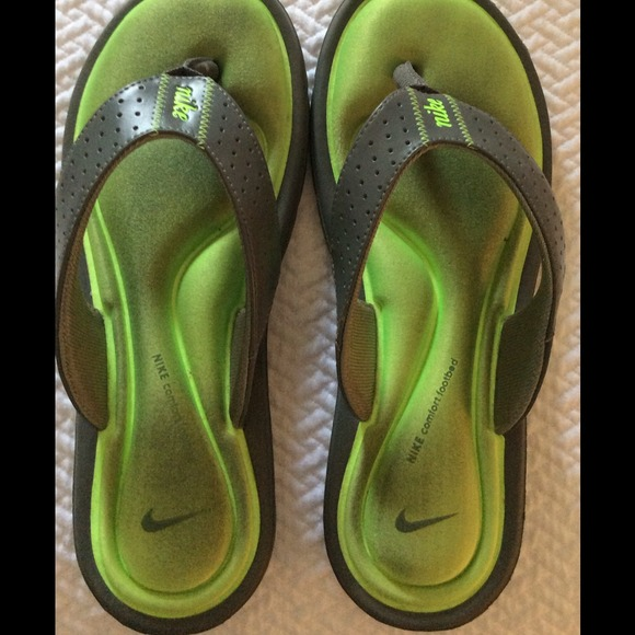 39bb33618bb0 ... canada neon green gray nike sandals worn gently 2fb42 0023f