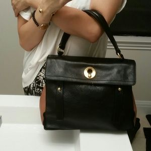 YSL MUSE TWO in camel and black!