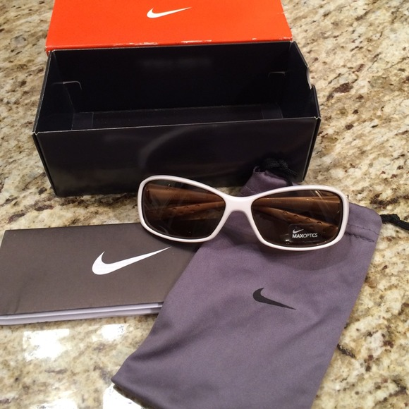 New Siren Nike Sunglasses Nwt Sunglasses Nike New Siren Nwt Nike New 8nPNk0wXO