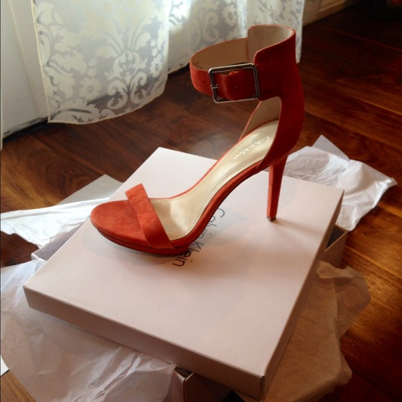 690c5b5e79f6 Calvin Klein Vivian Suede 8.5 Sandals