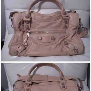 100%Authentic Balenciaga giant city: sahara beige