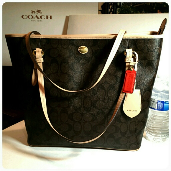 3c2f499dd9f8a ... promo code for new coach signature leather tote brown final price 9549c  ae428