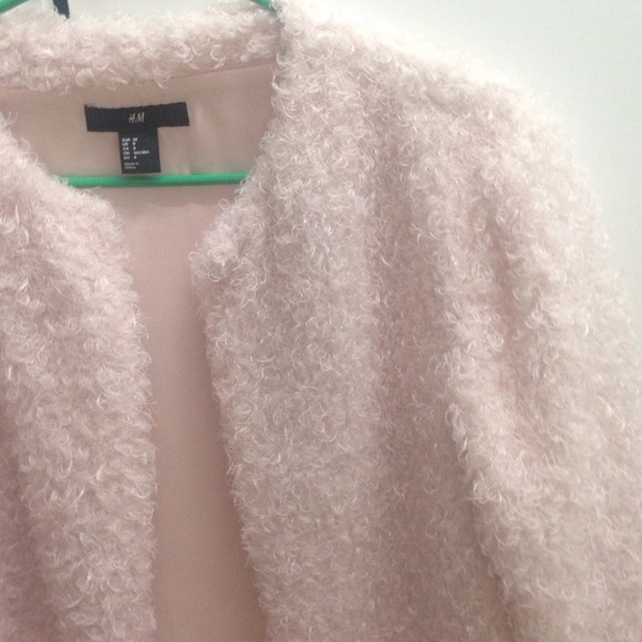 H&M Jackets & Coats - Powder pink fluffy cardigan