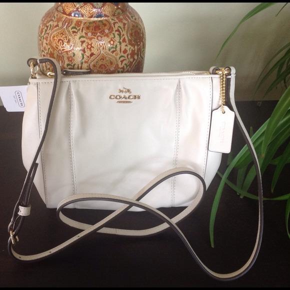 BNWT Coach Cream Leather Crossbody Bag w Zip Top