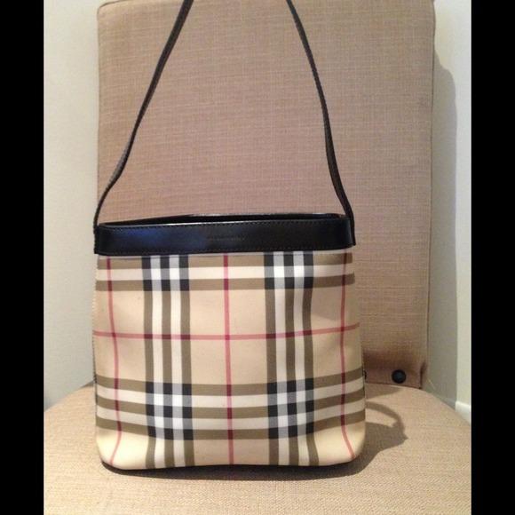 21bccda96b2 Burberry Bags   Small Purse With Black Trim   Poshmark
