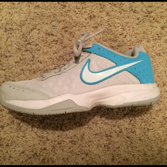 77 nike shoes nike light blue tennis shoes from