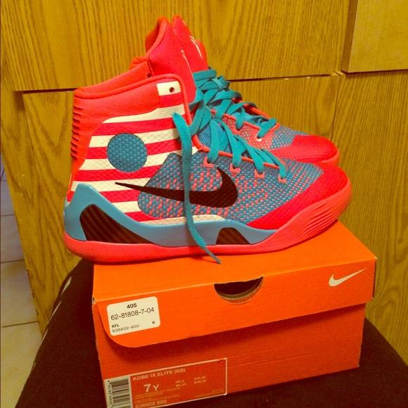 Kobe Bryant's sneakers kobe's