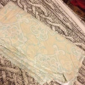 Anthropologie queen size bed skirt