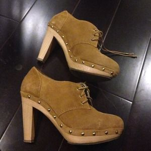 Banana republic suede clogs bootie ankle boot