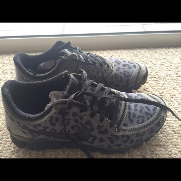 newest 3bd36 def8e Nike Free 5.0 v4 Leopard (Black) size 7. M 5429c50a3ddfd40148187b5e