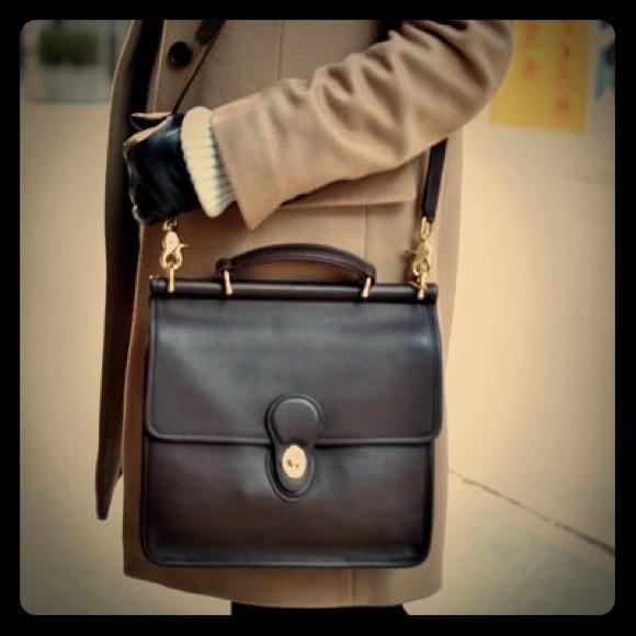 8041003337 Coach Handbags - Vintage Black Leather Coach Willis 9927