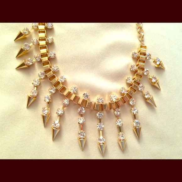 15 off charming charlie jewelry costume jewelry gold for Direct jewelry falls church va