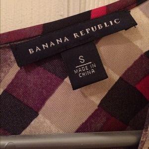 Banana Republic Tops - Banana Republic Patterned Silk Blouse Size Small
