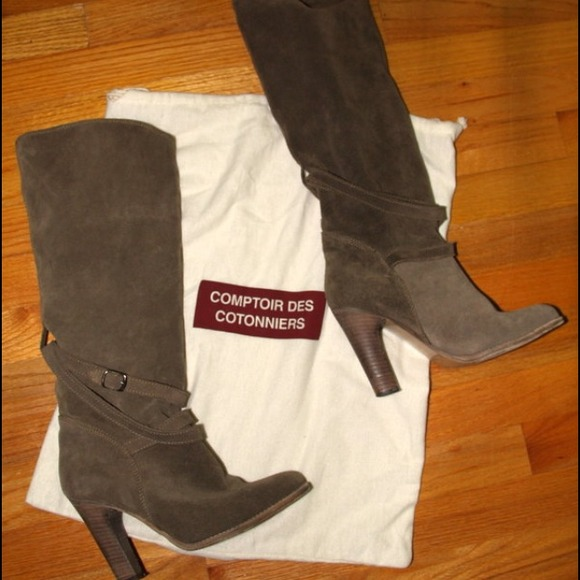 clearance pay with paypal sale comfortable Comptoir Des Cotonniers Suede Knee-High Boots shop for for sale discount low shipping cheap best place LcApoYOb