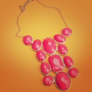 Peach statement necklace