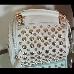 White studded bubble bag