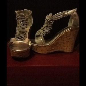 Bamboo Silver Wedges!