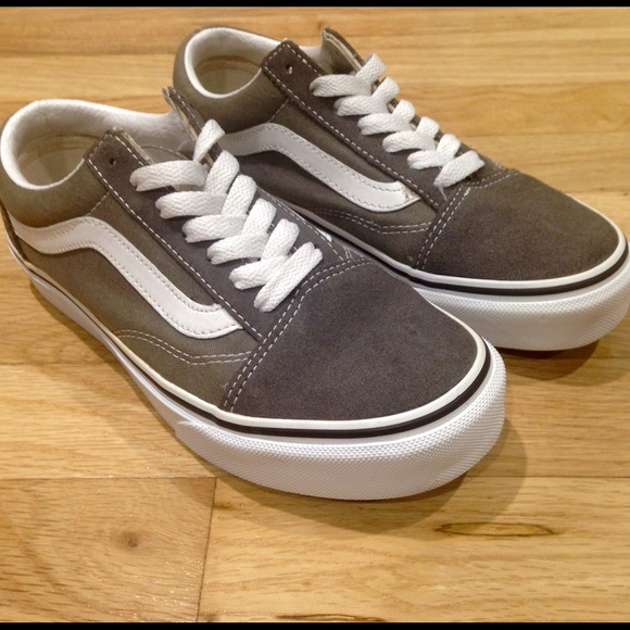 high top vans army green   Come and stroll! 7fed80edb