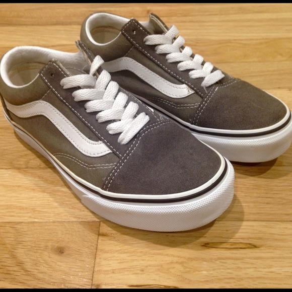 4d014af82a4 Gray Olive Green Old Skool Vans. M 542b7f04d929901d812671c3