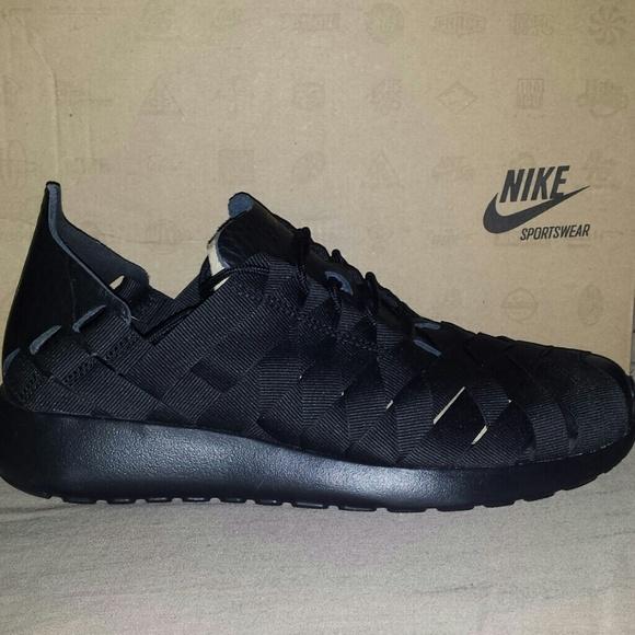 more photos b8070 d6183 Women s Nike Roshe Run Woven